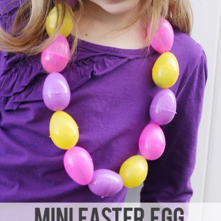 $5 Friday: Easter Egg Candy Necklace