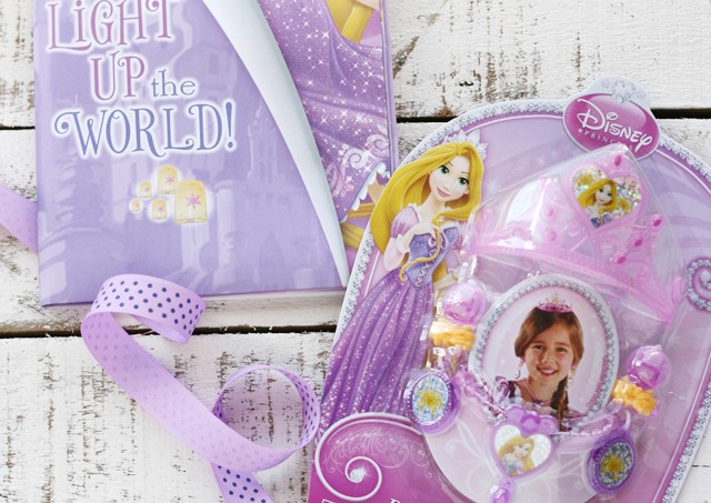 rapunzel-card-and-gift