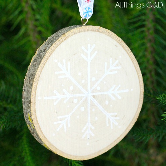 snowflake-wood-slice-ornament