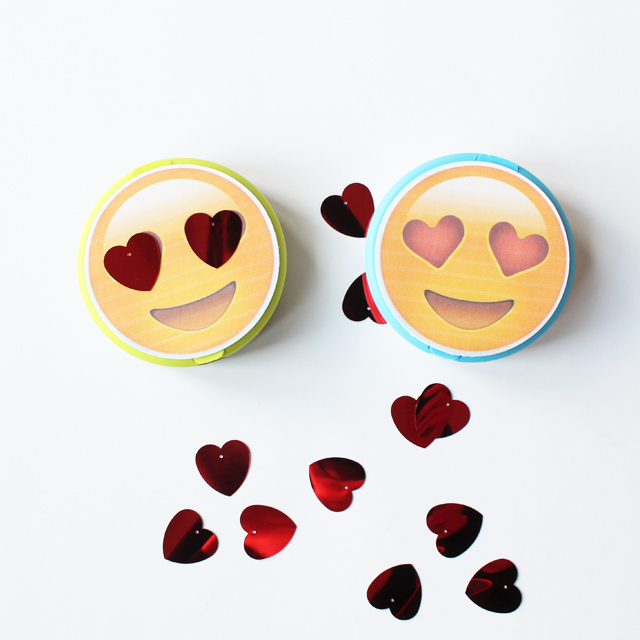emoji heart face tags