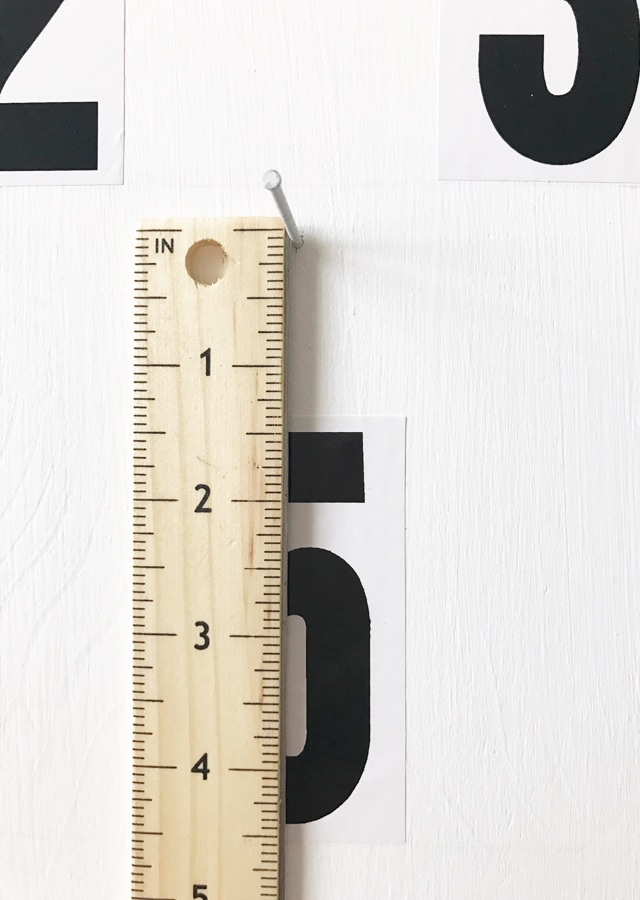 measuring-for-nails