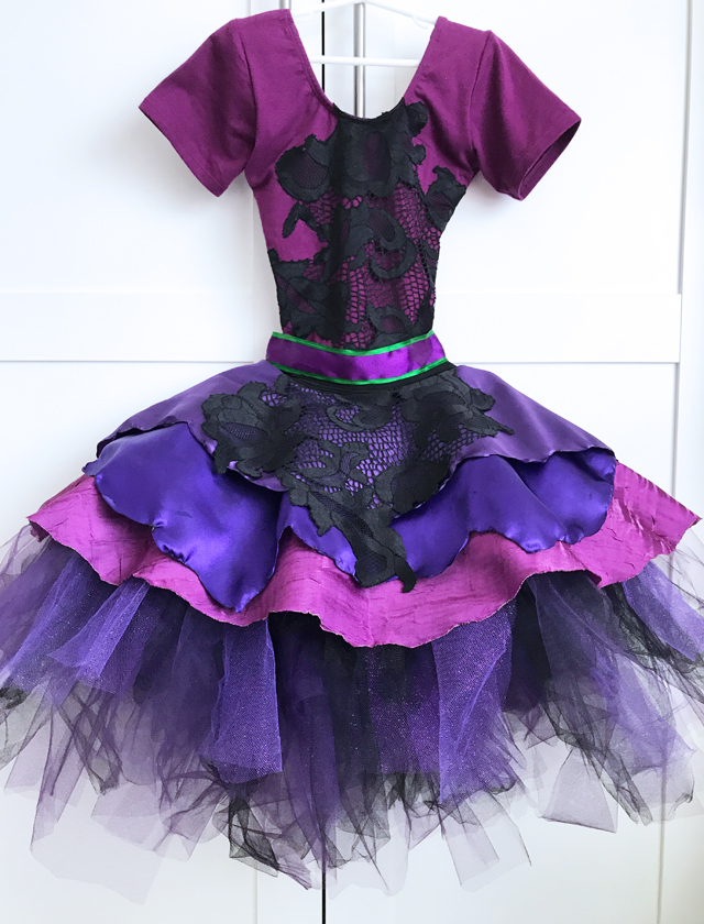 Mal Descendants 2 costume