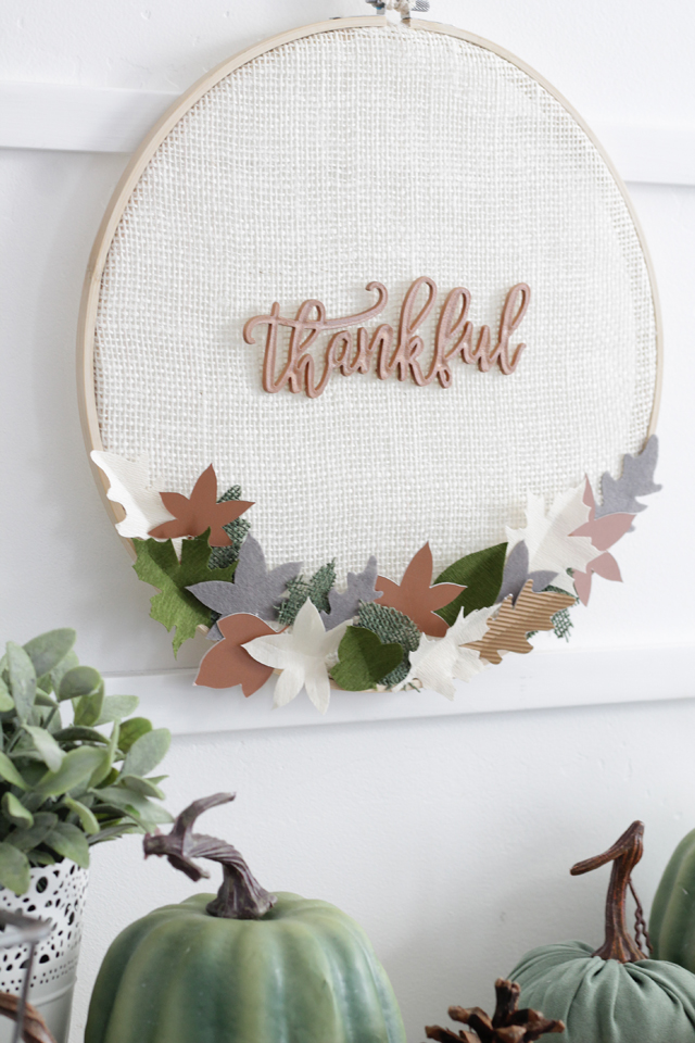 Thankful hoop decor