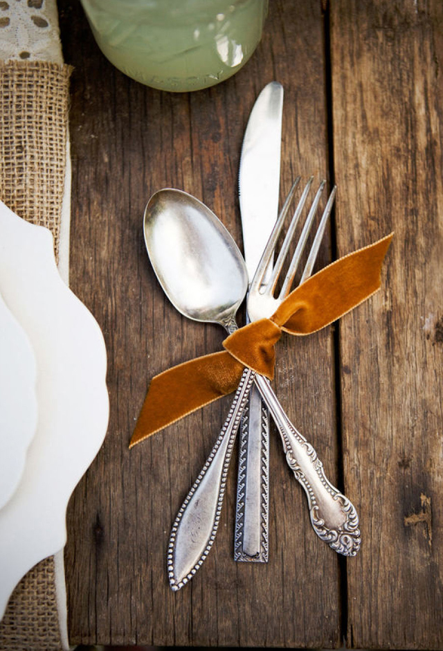 tie velvet ribbon - Thanksgiving Table Setting Ideas Easy