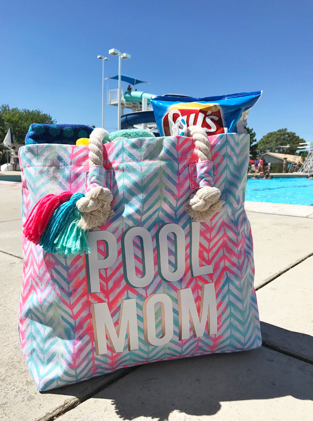 DIY Canvas Tote Bag for the Pool