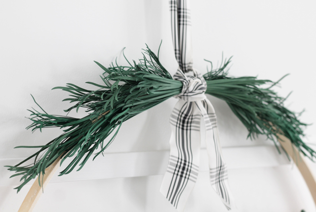 DIY Christmas pine needles paper