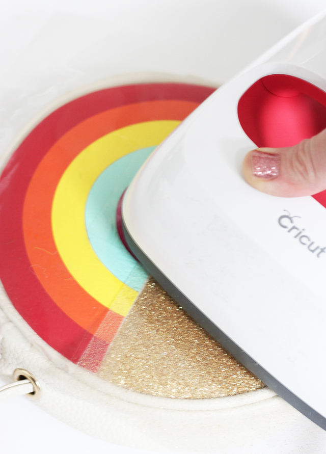 EasyPress 2 making rainbow purse
